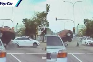 Suzuki Swift rempuh 3 kenderaan berhenti di lampu isyarat, pemandu maut