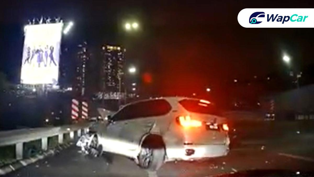 BMW X5 Crash on NKVE: From driving machine to flying machine 01