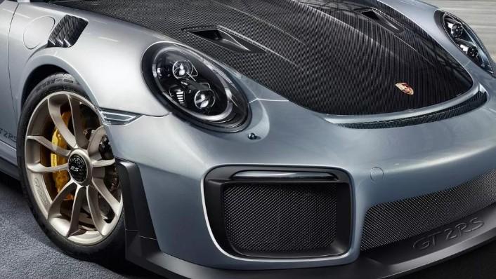2019 Porsche 911 GT2 RS Exterior 004