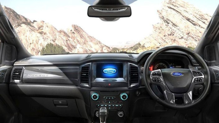 Ford Everest (2017) Interior 001
