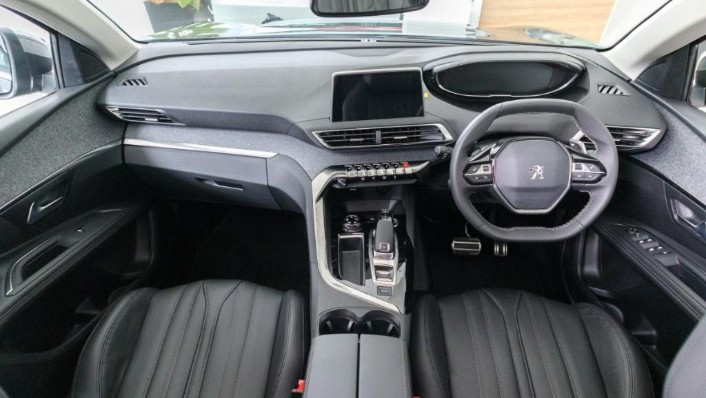 2019 Peugeot 5008 THP Plus Allure Interior 001