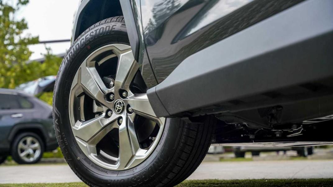 2020 Toyota RAV4 2.5L Exterior 066