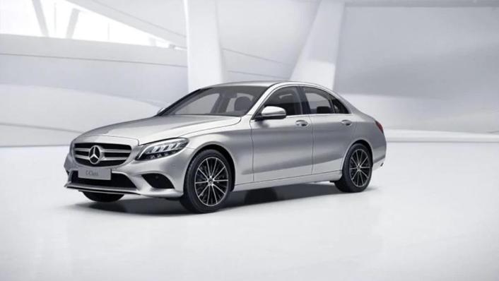 Mercedes-Benz C-Class Saloon (2018) Exterior 002