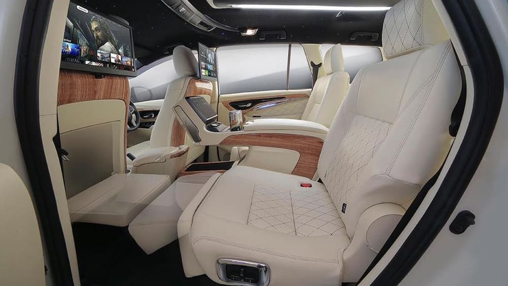 Believe it or not, this is a Toyota Innova 01