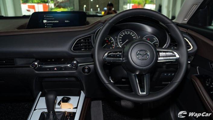2019 Mazda 3 Sedan 2.0 SkyActiv High Plus Interior 003