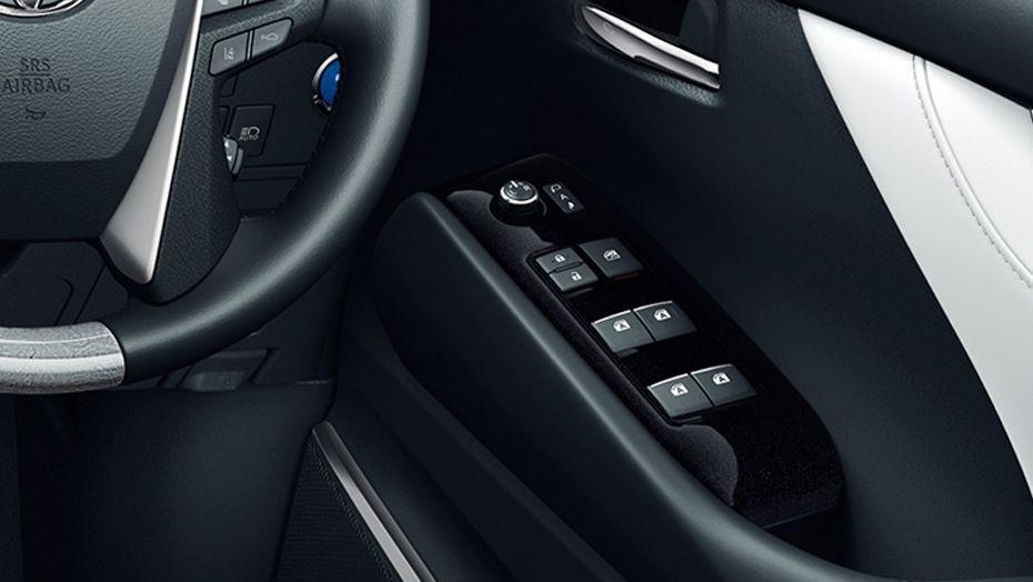 Toyota Alphard (2018) Interior 004