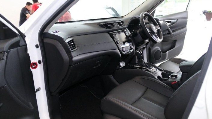 2019 Nissan X-Trail 2.5 4WD Interior 003