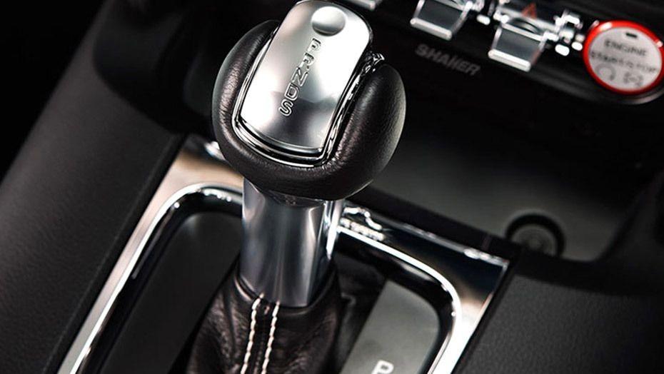 Ford Mustang (2018) Interior 006