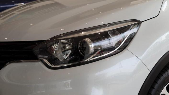 2017 Renault Captur TCe 120 EDC (CKD) Exterior 006