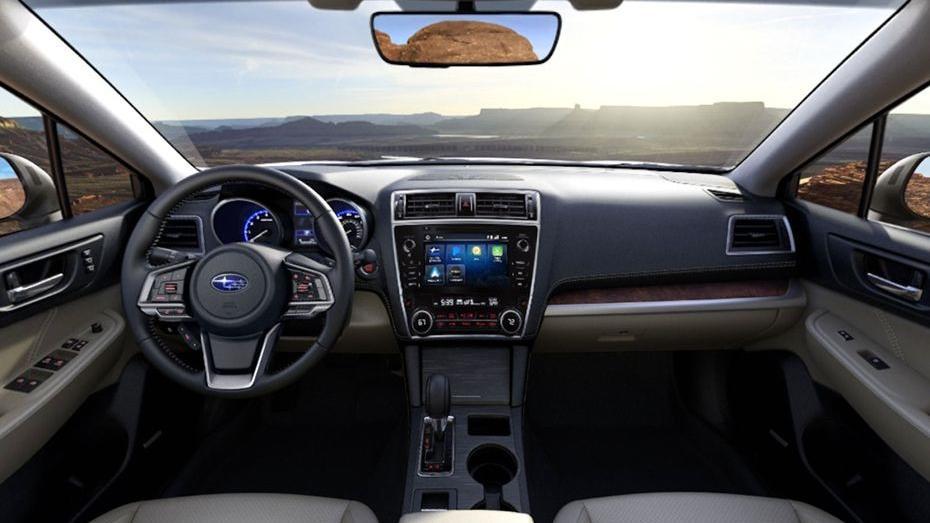 Subaru Outback (2018) Interior 001