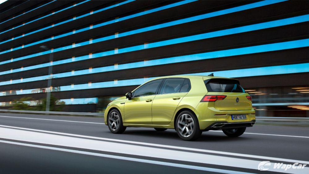 Volkswagen Gold Mk8 rear three quarter