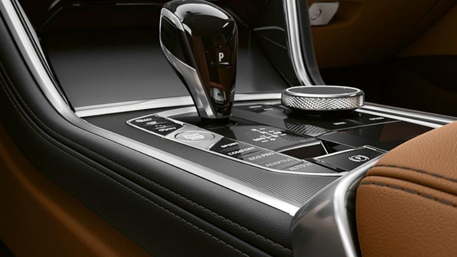 BMW 8 Series (2019) Interior 007