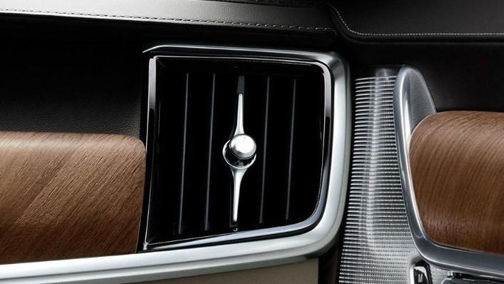 Volvo S90 (2018) Interior 006