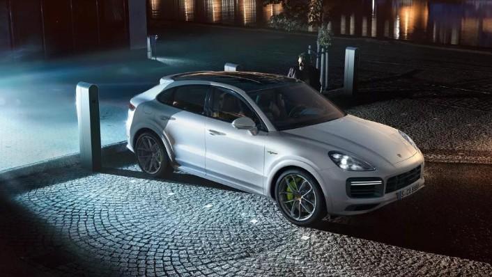 Porsche Cayenne Coupé (2019) Exterior 008