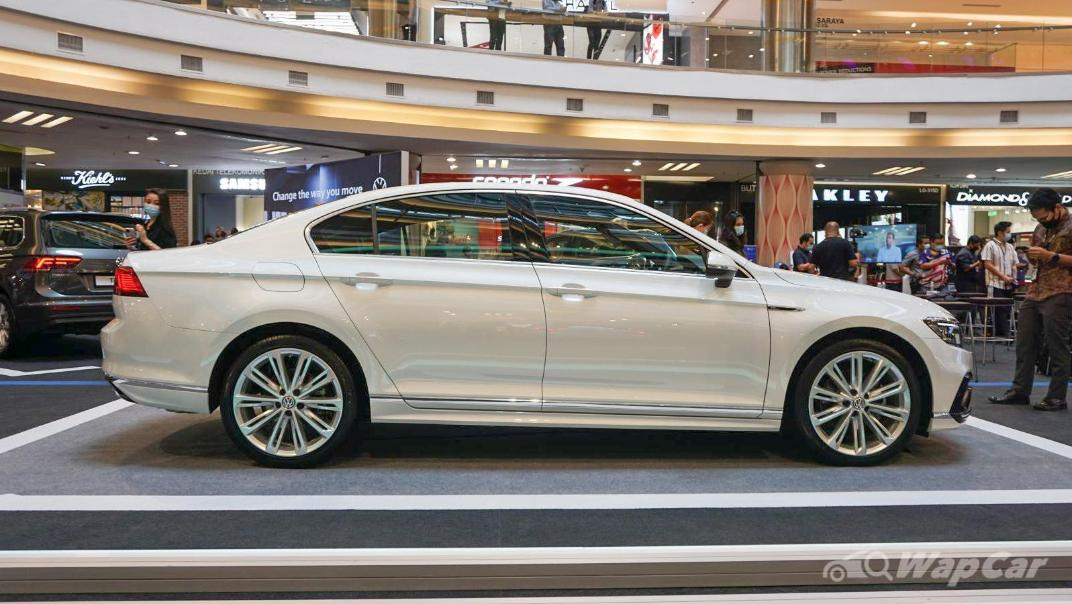 2020 Volkswagen Passat 2.0TSI R-Line Exterior 020