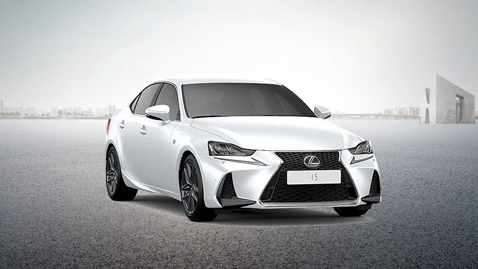 Lexus IS (2018) Exterior 002