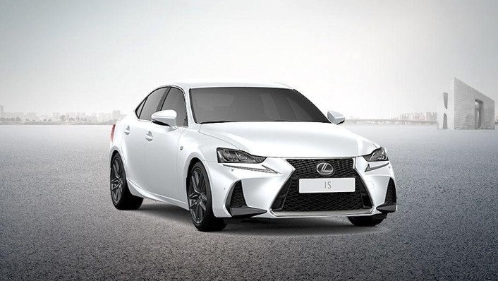 Lexus IS (2018) Exterior 002