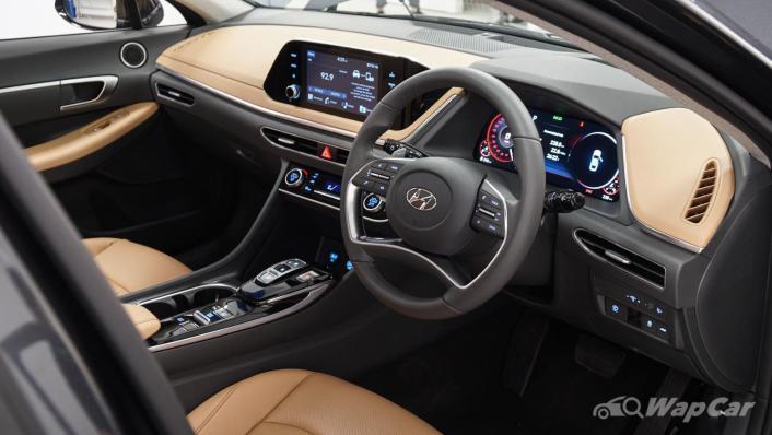 2020 Hyundai Sonata 2.5 Premium Interior 002
