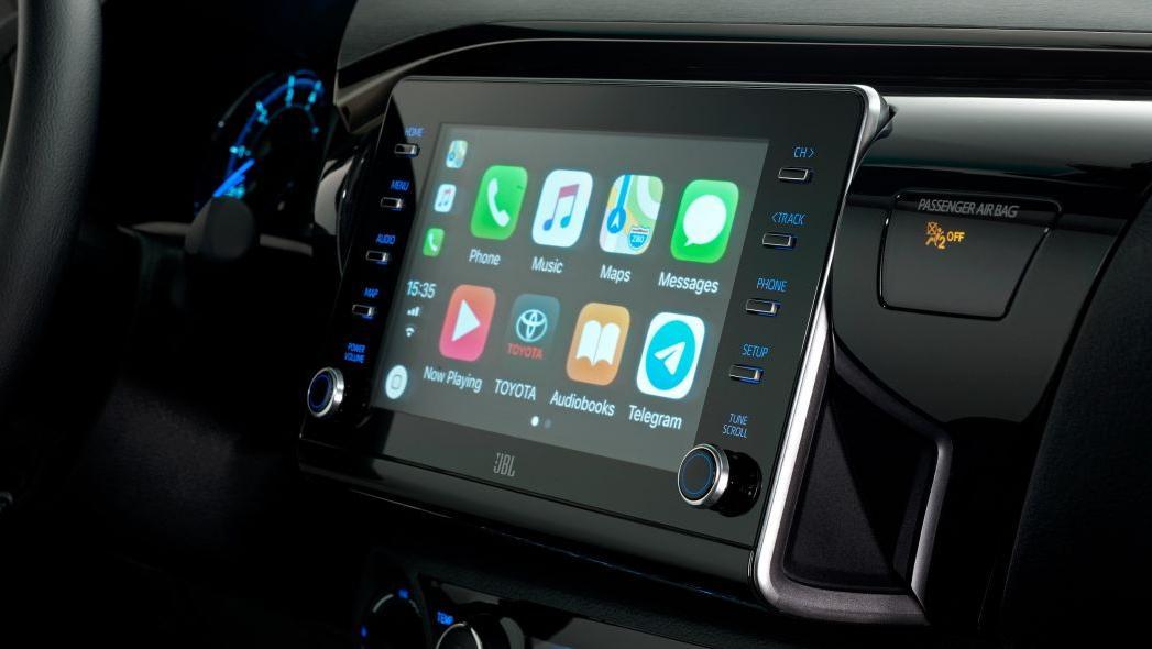 2020 Toyota Hilux Interior 002