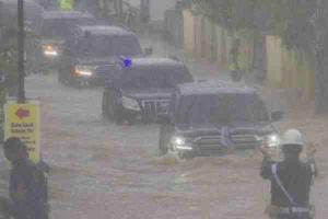 President Jokowi favours a Toyota Land Cruiser to wade through floods