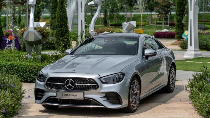 2021 Mercedes-Benz E-Class Coupe E300 AMG Line Exterior 004