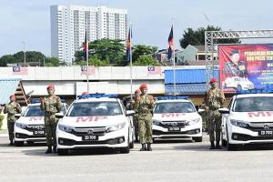 Malaysian Army gets their latest machinery, 40 units of the Honda Civic 1.8S