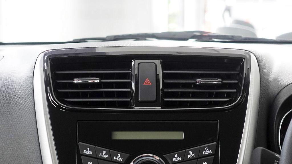 2018 Perodua Axia SE 1.0 AT Interior 012