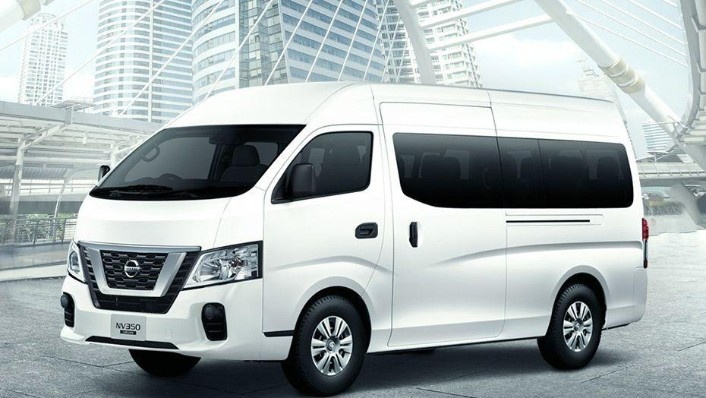 Nissan NV350 Urvan (2018) Exterior 001