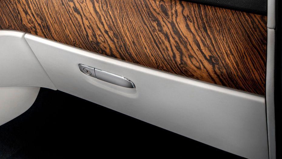 2018 Rolls-Royce Cullinan Cullinan Interior 013