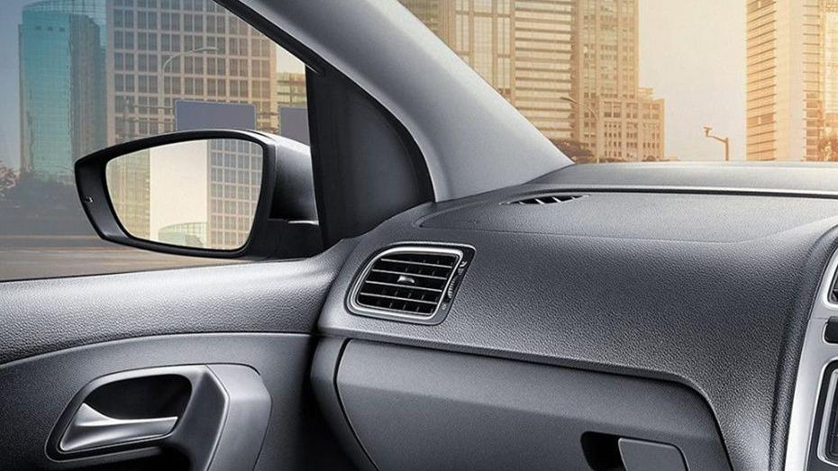 Volkswagen Vento (2018) Interior 011