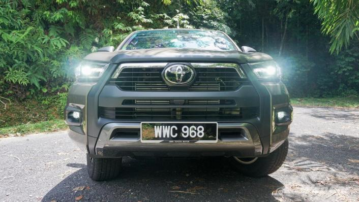 2020 Toyota Hilux Double Cab 2.8 Rogue AT 4X4 Exterior 010