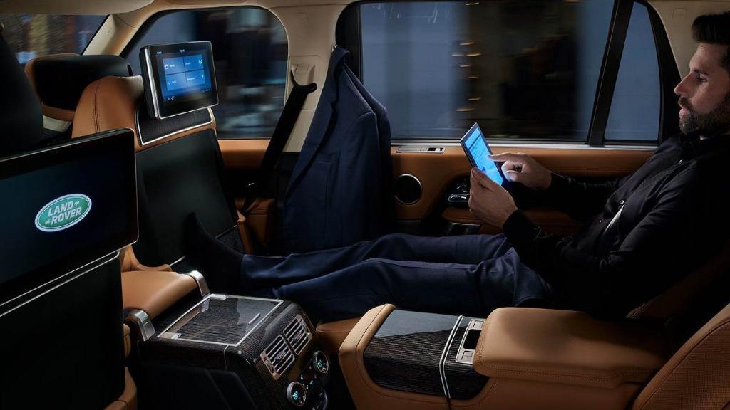 Land Rover Range Rover (2017) Interior 011