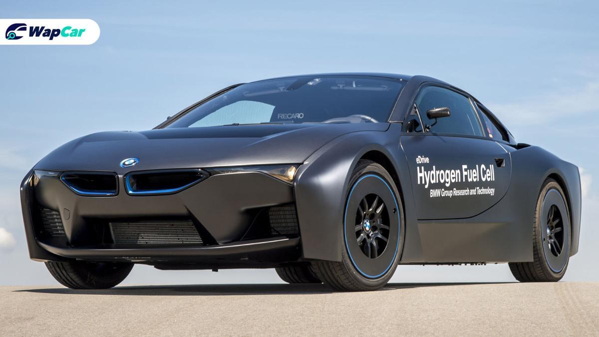 "Elon Musk calls hydrogen cars ""mind-boggingly stupid"", but BMW still believes in them 01"