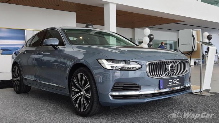 2021 Volvo S90 Recharge T8 Inscription Plus Exterior 001