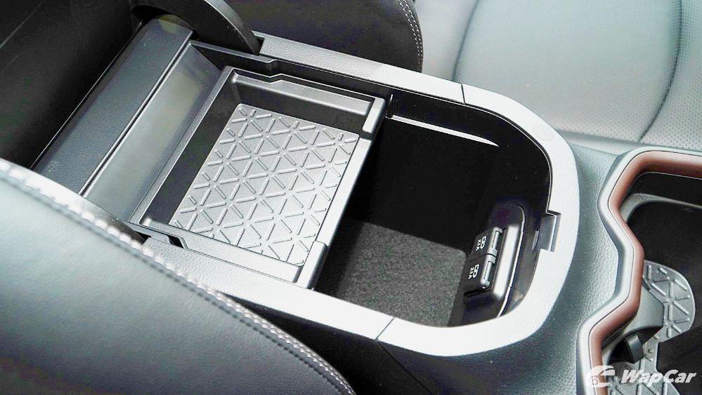 2020 Toyota RAV4 2.5L Interior 103