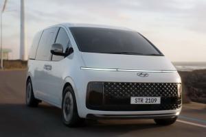 Hyundai Staria 2021 debut - lebih besar daripada Alphard, MPV futuristik ini boleh muat 11 orang!