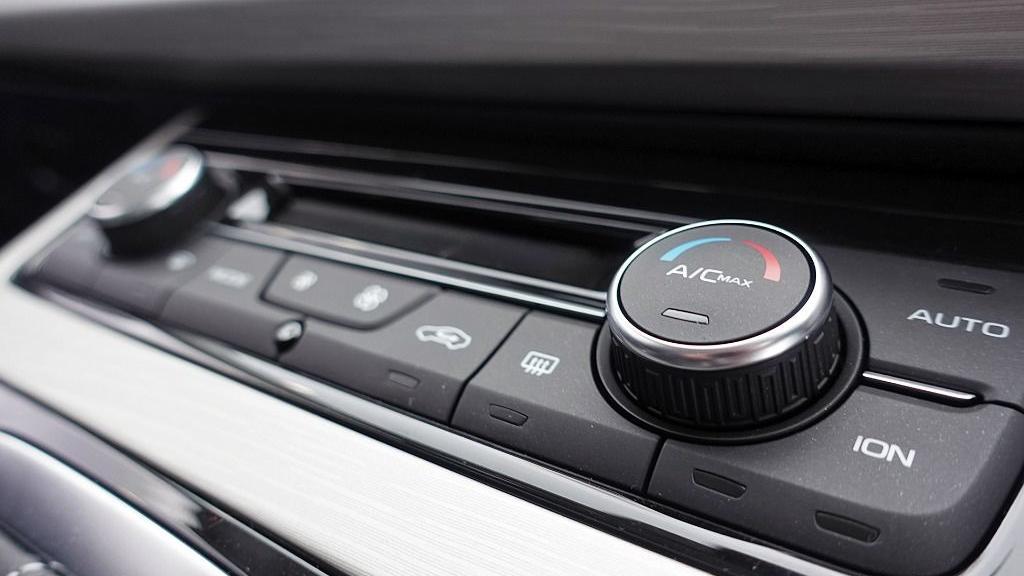 2018 Proton X70 1.8 TGDI Executive AWD Interior 025