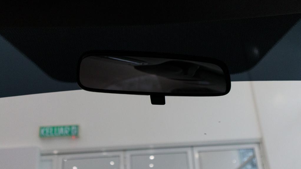 2019 Honda HR-V 1.5 Hybrid Interior 042