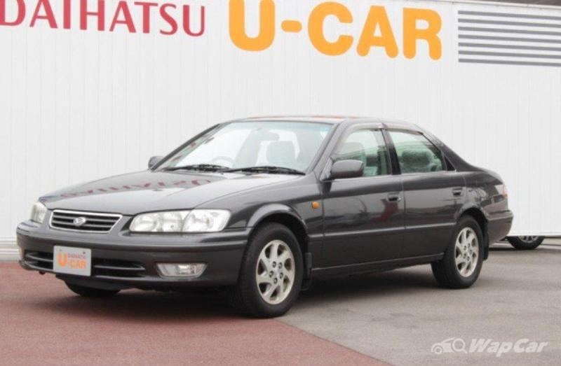 The Daihatsu Altis is a more expensive rebadged Toyota Camry 02