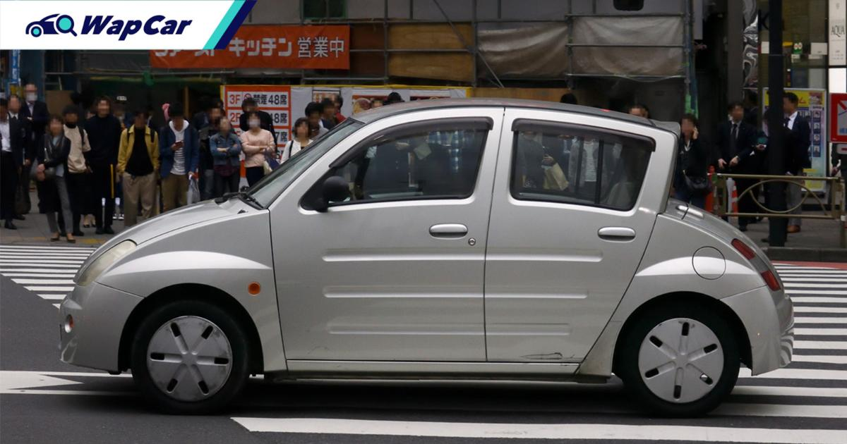 The WiLL Vi, a weird Toyota made for Japanese youths that no one bought 01