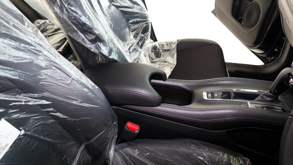 2019 Honda HR-V 1.8 E Interior 034