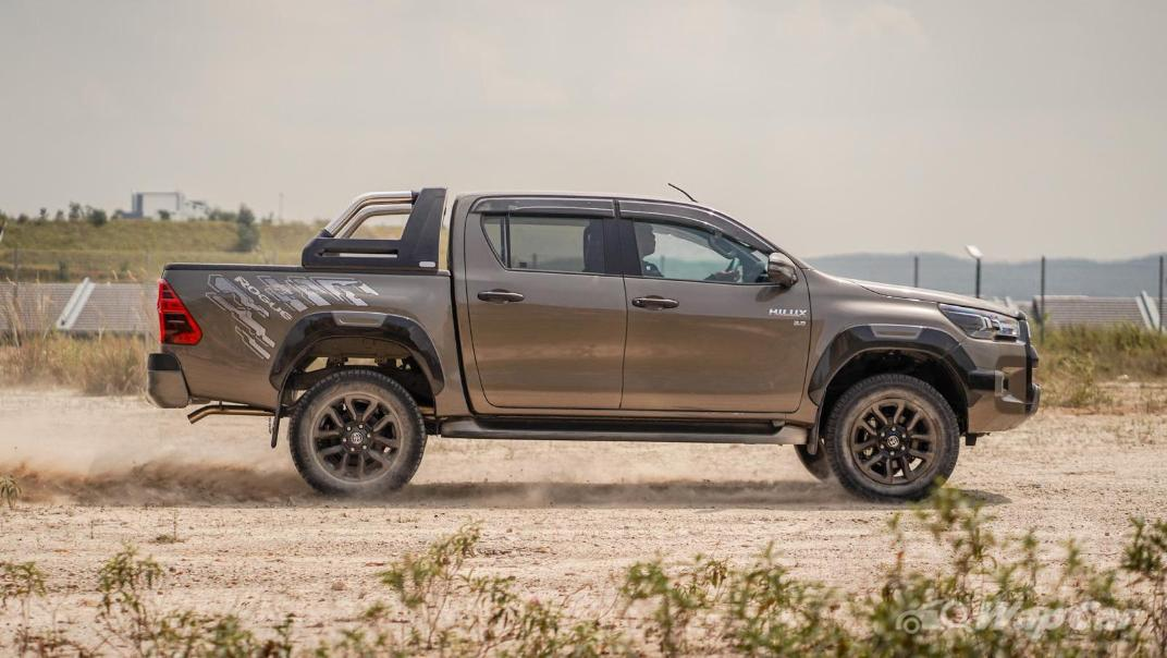2020 Toyota Hilux Double Cab 2.8 Rogue AT 4X4 Exterior 107