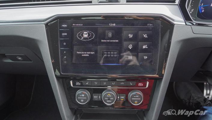 2020 Volkswagen Passat 2.0TSI R-Line Interior 005
