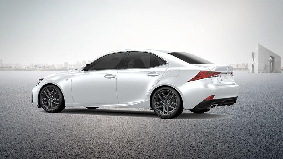 Lexus IS (2018) Exterior 009
