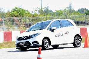 Proton Iriz kini mampu mencabar populariti Perodua Myvi