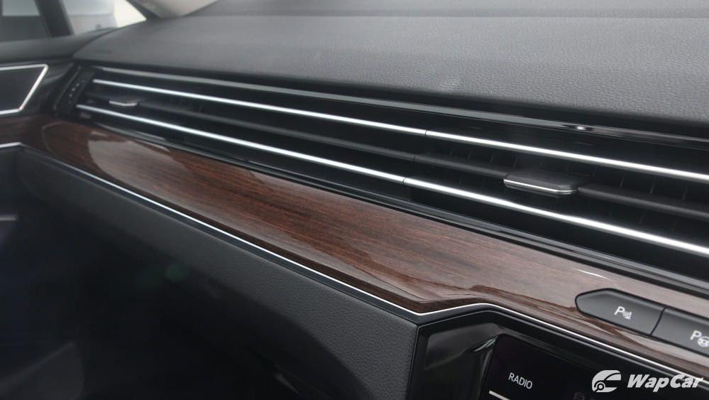 2018 Volkswagen Passat 2.0 TSI Highline Interior 025