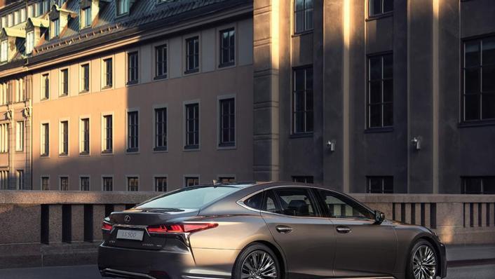 2020 Lexus LS Exterior 006