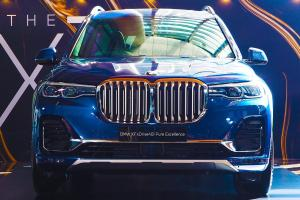 CKD 2021 BMW X7 xDrive40i launched in Malaysia, now with ACC, RM 708k