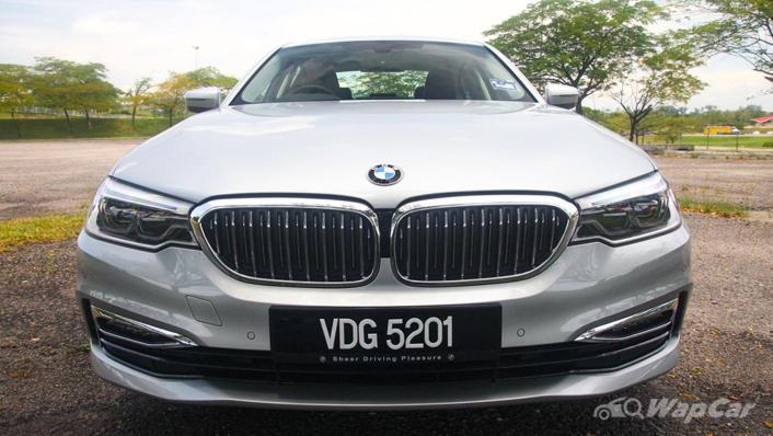 2019 BMW 5 Series 520i Luxury Exterior 009
