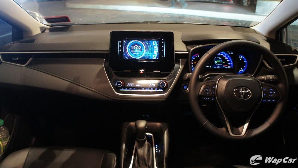 2019 Toyota Corolla Altis 1.8E Interior 002